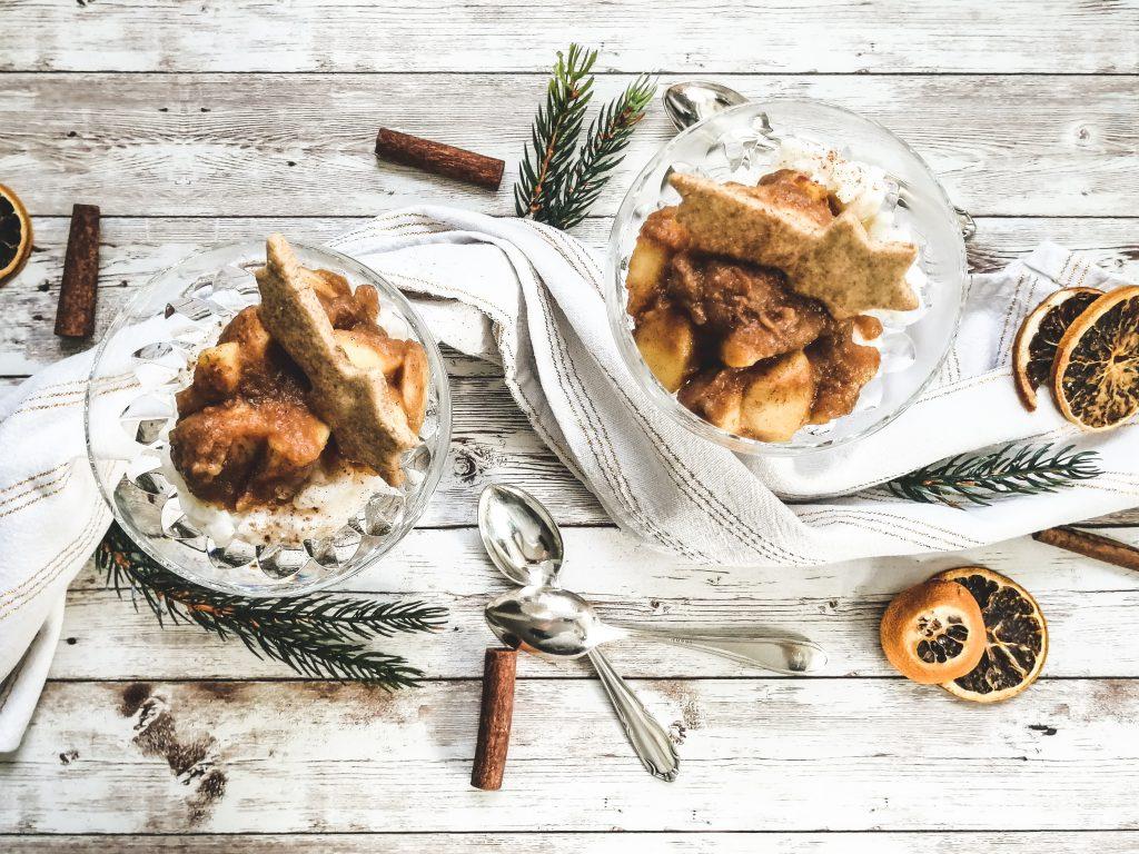Weihnachtlicher Vollkornmilchreis mit Bratapfelkompott